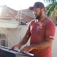 Carlos Júnior - Professor Piano e Teclado