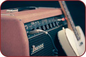 Amplificador e guitarra